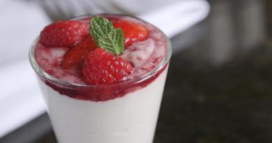 Slimming World summer berry cream cups